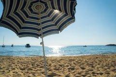 La sombrilla de la playa