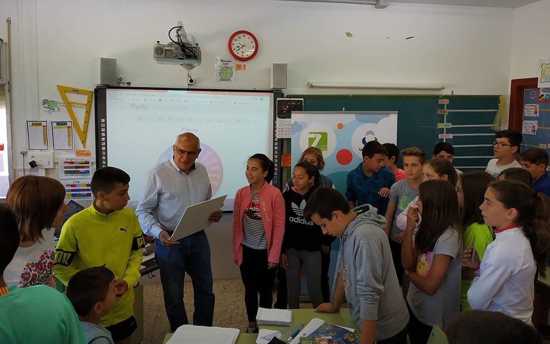 El CEIP Juan Ramón Alegre de Andorra recibe un premio al reciclaje