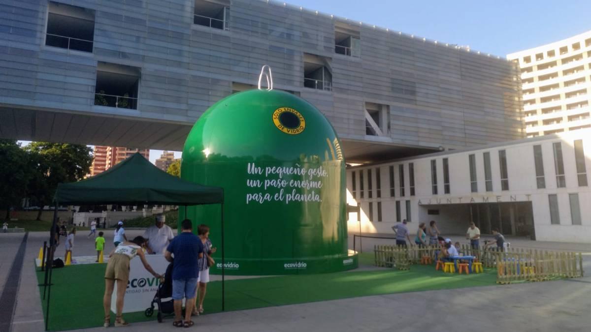 En Benidorm está el contenedor de vidrio más grande del mundo