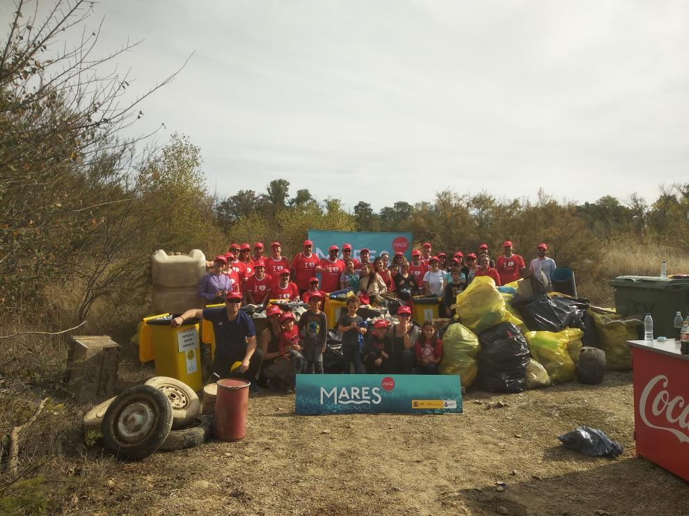Recogidos más de 650 kilos de residuos en la limpieza del Soto del Francés del río Ebro