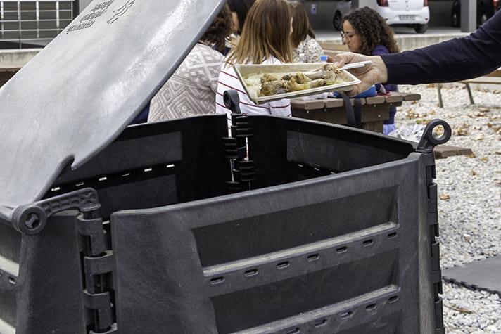 El proyecto RepescaPlas aborda el reciclado químico de las basuras marinas para obtener combustible para las embarcaciones de pesca